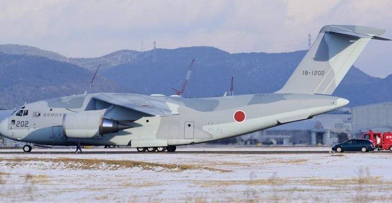 ВВС Японии получили ВТС Kawasaki C-2